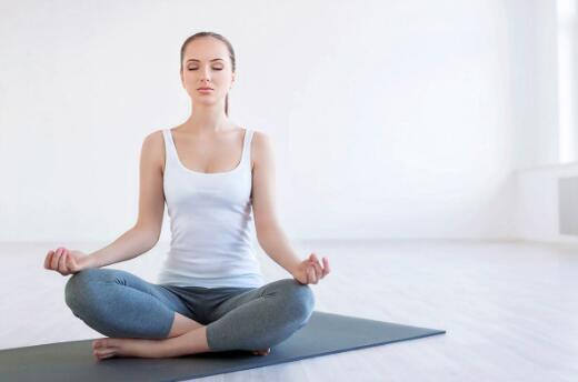 练习瑜伽能紧致皮肤,缩小毛孔吗?