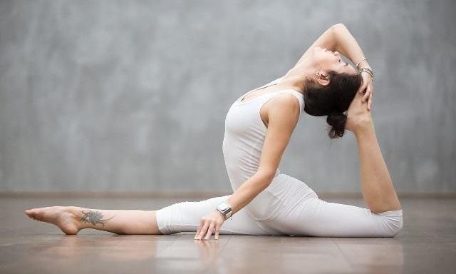 如何练好瑜伽里的一字马呢?