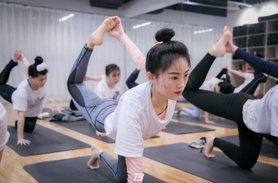 在漫长的瑜伽道路上,你有坚持不下去的时候吗?