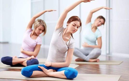 作为初次上瑜伽课的老师你如何排好一节课