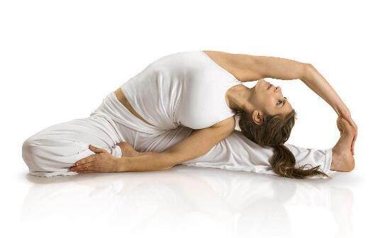 这个点练习瑜伽,怪不得人家越来越好看