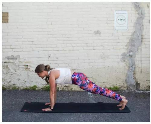 如何掌握串联瑜伽体式的技巧。